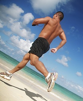 1-male-beach-runner-brandon-tabiolo.jpg