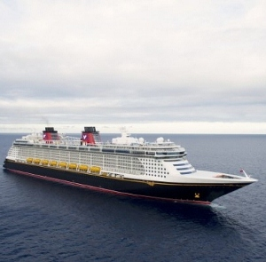 Disney-Fantasy-official-image-600x399 (300x295).jpg