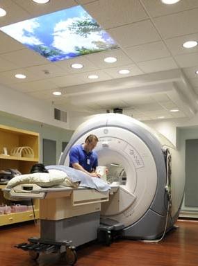 E--img-MRI-tech-3-Tesla.jpg