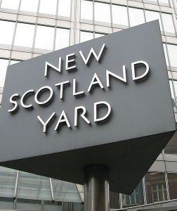 New_Scotland_Yard_sign_3 (252x300).jpg