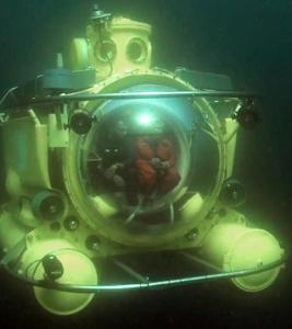 antipodes-underwater-01 (267x300).jpg