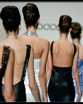 back_pain_myths_s7_models_on_catwalk.jpg