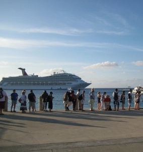 grand-cayman-cruise-ship-tender-500x375 (284x300).jpg