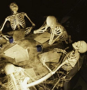 human_skeletons_covered_in_cobwebs_at_a_meeting_1574r-01177b (291x300).jpg