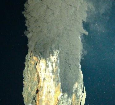 ocean-deepest-black-smoker-vent_18667_600x450.jpg