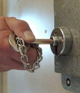 prison-cell-pic-rex-99532672 (256x300).jpg