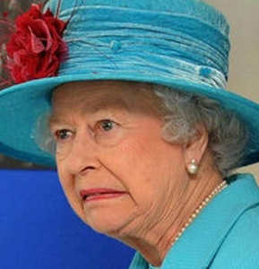 queen-elizabeth-horrified-21 (289x300).jpg